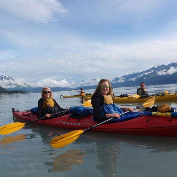 students-canoeing-alaska